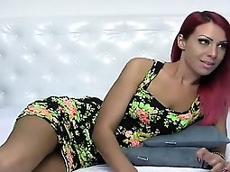 Hot redhead gets hotter the chatroom