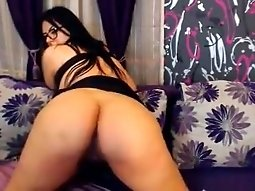 Sexy webcam babe with big boobs and glasses