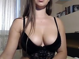 Pretty abundant slut with Polish webcams