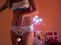 Sexy girl masturbating Live on winnertarget.com
