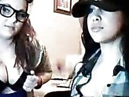 Two sexy girls chatting on a stickam