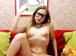 Russian Hot Girl Having Orgasm On webcam - Pussycamhd.c0m