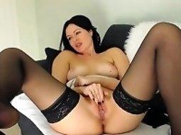 Beautiful dark-haired beauty self-pleasuring show on webc