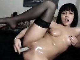Attractive brunette slut on cam toying and proposition her