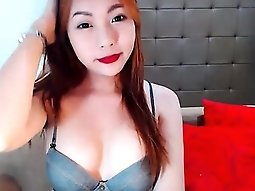 Irresistible redhead camgirl displays the amazing contours