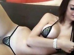 Hottie in bikini cam tease