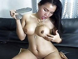 Sexy Asian Deep Throat 2