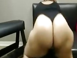 live video chat solo with my new acquaintance shaking her huge booty
