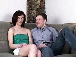 Teen parts with virginity screaming as shlong penetrates her