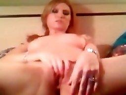 sexy nudes beauty masturbates pussy on cam